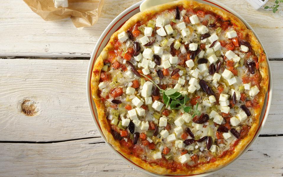 pizza_me-feta-ntomata-freskia-rigani