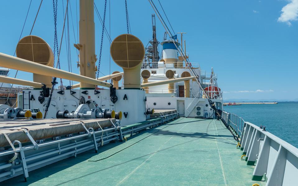 Aπό τα 2.720 πλοία τύπου «liberty» που ναυπηγήθηκαν κατά τον Β΄ Παγκόσμιο Πόλεμο, έχουν απομείνει τρία. Δύο στην Αμερική και ένα στον Πειραιά. Εδώ, το κατάστρωμα του «Hellas Liberty». (Φωτογραφία: ΟΡΕΣΤΗΣ ΣΕΦΕΡΟΓΛΟΥ)