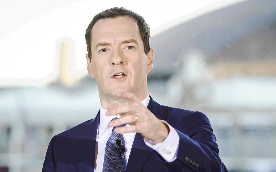 «Υπάρχουν καθαρά σημάδια μιας οικονομικής κρίσης μετά το αποτέλεσμα του δημοψηφίσματος», δήλωσε ο υπουργός Οικονομικών της Βρετανίας Τζορτζ Οσμπορν μέσω του Twitter, προσθέτοντας ότι «θα χρειαστεί να γίνει μια τεράστια εθνική προσπάθεια για να ξεπεραστεί αυτή η πρόκληση».