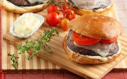 65120824_5902_burger_portobello-burger