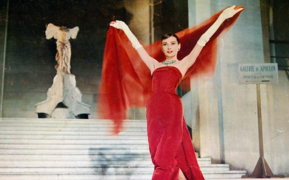 Το μιούζικαλ «Funny Face» έφερε την Οντρεϊ Χέπμπορν στο Παρίσι, αλλά και στο κέντρο της μόδας.