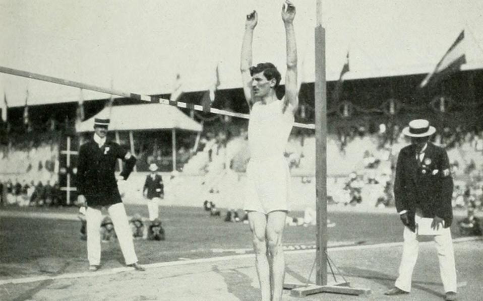 Ο Κωστής Τσικλητήρας ήταν «χρυσός» ολυμπιονίκης στους Αγώνες της Στοκχόλμης, το 1912, στο μήκος άνευ φοράς με άλμα 3,37 μ.