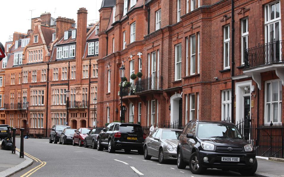 Η ζήτηση ακινήτων για την αγορά κατοικίας αλλά και για επαγγελματικά ακίνητα στη Μεγάλη Βρετανία έχει αυξηθεί 30%-40%, μετά  τις 20 Ιουνίου.