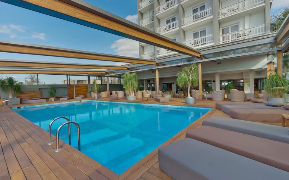 Ο όμιλος την 1η Ιανουαρίου 2016 εγκαινίασε την παρουσία του στην Αττική, ενοικιάζοντας για 10 χρόνια το ξενοδοχείο Palace στη Γλυφάδα.