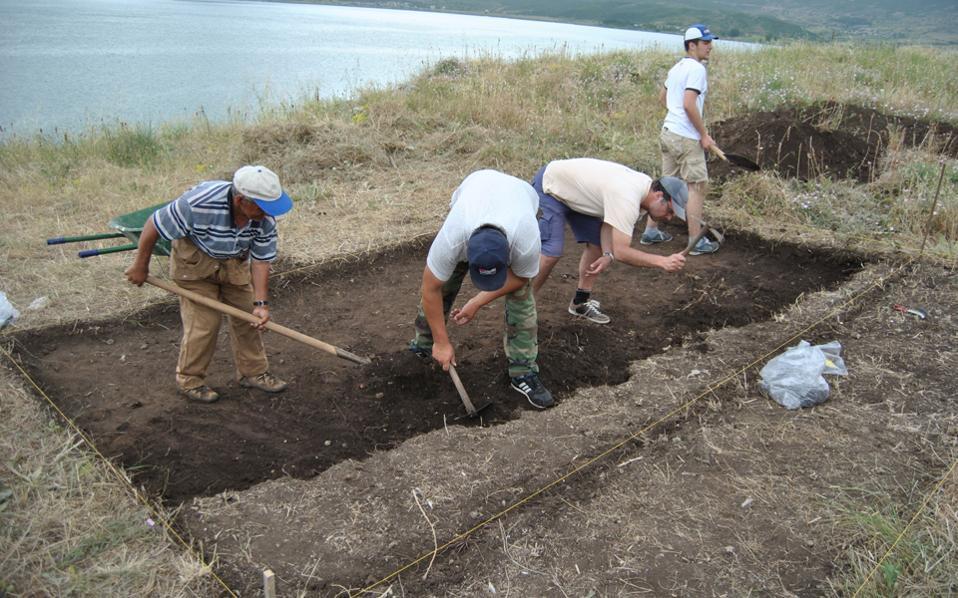 Στιγμιότυπο από τις ανασκαφικές εργασίες σε μια περιοχή με γεωπολιτικές, ιστορικές και περιβαλλοντικές ιδιαιτερότητες.