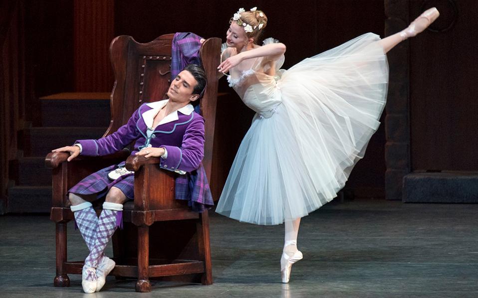 Το New York City Ballet και το American Ballet Theatre περιόδευσαν σε Γερμανία, Λατ. Αμερική και Ασία με κυριότερα έργα τα «Les Sylphides» (φωτ.) και «Rodeo».