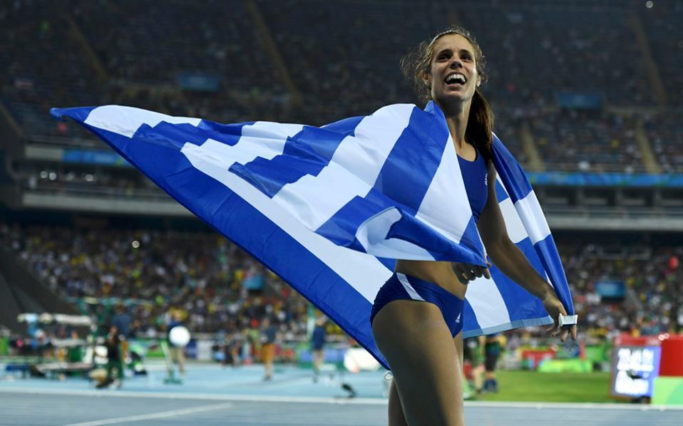 Η Κατερίνα Στεφανίδη ανοίγει την καρδιά της στην «Κ» και μιλάει για το χρυσό μετάλλιο, τη ζωή στις ΗΠΑ και τους στόχους της μέχρι τους Ολυμπιακούς του Τόκιο.