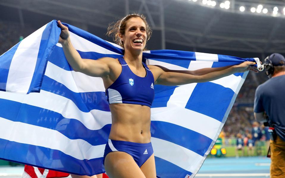 Το τρίτο χρυσό μετάλλιο και έκτο συνολικά για την Ελλάδα στο Ρίο, κατέκτησε τα ξημερώματα του Σαββάτου η Κατερίνα Στεφανίδη στο επί κοντώ, με άλμα στα 4.85 μ.