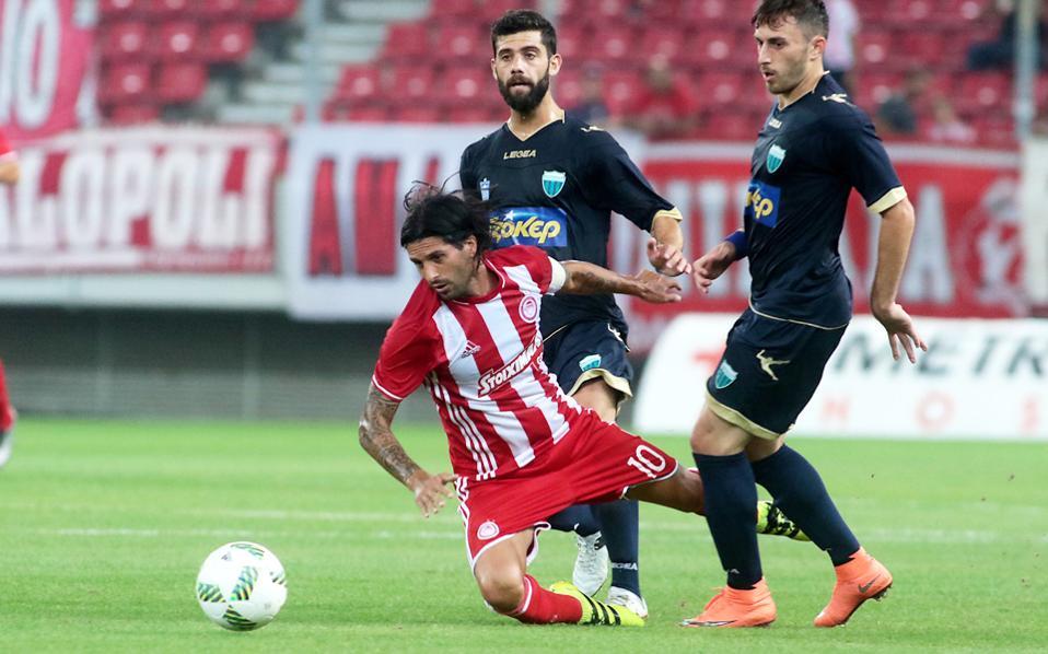 Ο Ολυμπιακός νίκησε 2-0 τον Λεβαδειακό σε φιλικό, ενώ ανακοίνωσε τους Ρομαό, Πασιένσια και Βιάνα.