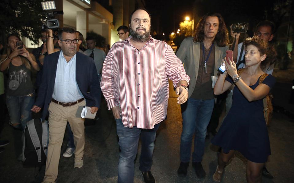 Ο επιχειρηματίας κ. Βαγγέλης Μαρινάκης δεν έκανε δηλώσεις μετά το πέρας της διαδιικασίας.