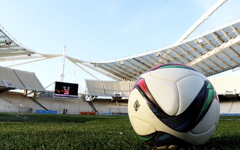 Η παγκόσμια ομοσπονδία με επιστολή της σε υφυπουργείο Αθλητισμού και ΕΠΟ ζητεί σέντρα του πρωταθλήματος την επόμενη εβδομάδα.