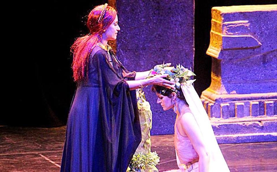 Στιγμιότυπο από την όπερα «Νόρμα» της ομάδας Skull of Yorick.