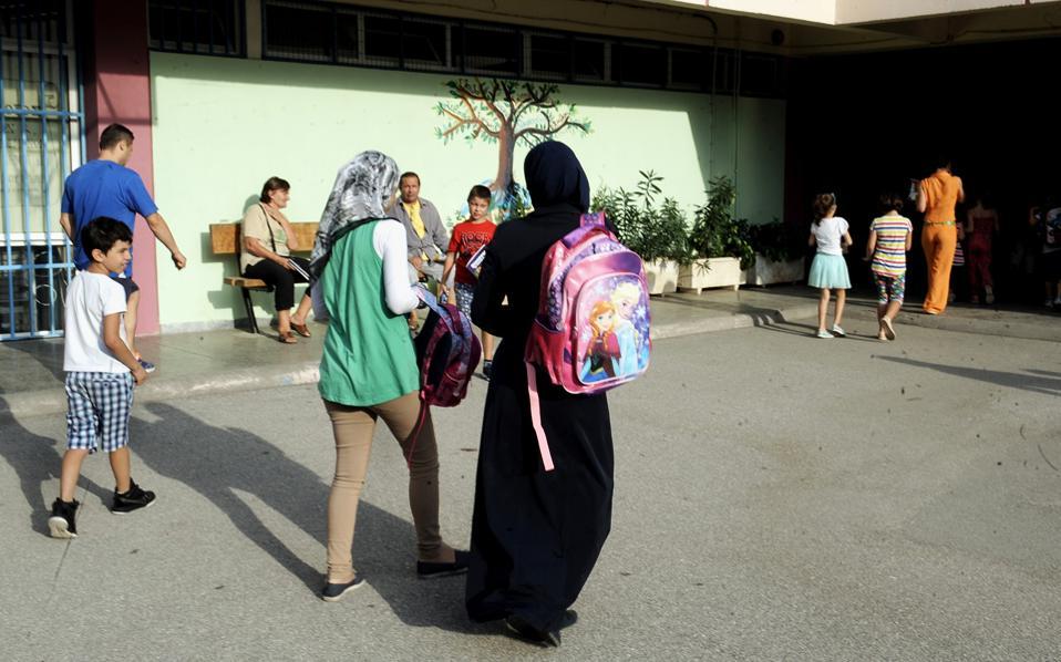 Διάχυτη  είναι η ανησυχία για τυχόν περιστατικά ασθενειών σε σχολεία όπου υπάρχουν προσφυγόπουλα.