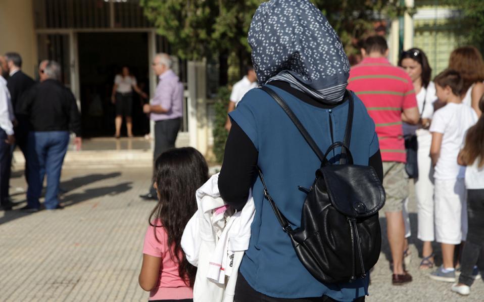 «Αβάσιμους φόβους» χαρακτηρίζει το υπουργείο Υγείας τους ισχυρισμούς για τον υποτιθέμενο κίνδυνο που διατρέχει η υγεία των παιδιών από τα... προσφυγόπουλα.