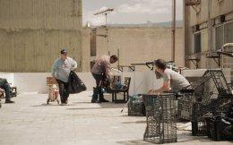 Στην ταινία «Ευριπίδου 14» ο σκηνοθέτης Μιχάλης Δημητρίου καταγράφει την προσπάθεια του Κώστα και της Σοφίας να βοηθήσουν τους άστεγους της Αθήνας.