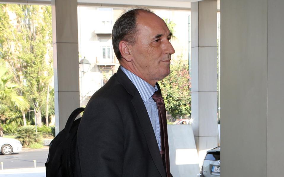 Ο υπουργός Οικονομίας Γ. Σταθάκης προσερχόμενος στη χθεσινή συνάντηση με τους επικεφαλής της τρόικας.
