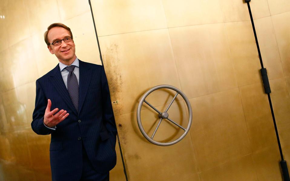 Ο κ. Βάιντμαν τάχθηκε υπέρ του διαχωρισμού της τραπεζικής εποπτείας της ΕΚΤ από τη νομισματική της πολιτική, θεωρώντας τα ασυμβίβαστα. Παράλληλα επανήλθε στις πάγιες θέσεις του κατά της χαλαρής νομισματικής πολιτικής.