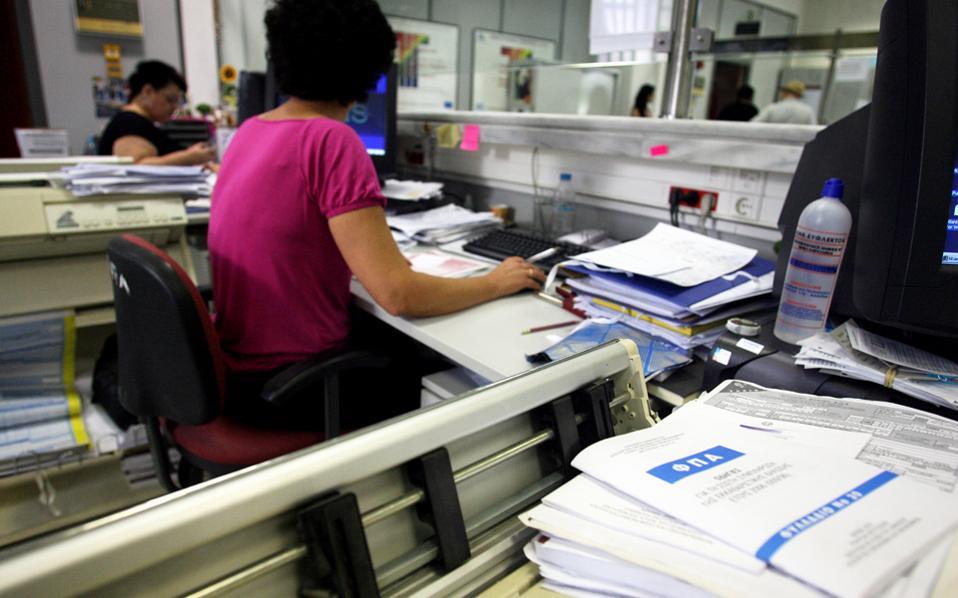 Στην περίπτωση της φοροδιαφυγής στον ΦΠΑ επιβάλλεται ποινή φυλάκισης τουλάχιστον 2 ετών, αν το ποσό του κύριου φόρου που δεν αποδόθηκε υπερβαίνει τις 50.000 ευρώ.