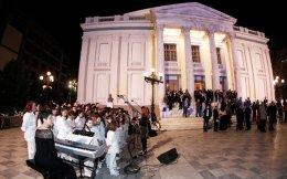 Το Δημοτικό Θέατρο του Πειραιά κερδίζει με τις παραστάσεις και τις δράσεις του την πόλη και το κοινό έξω απ' αυτήν.