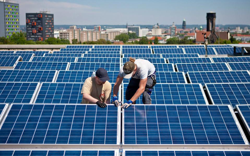 Οι προτάσεις, μεταξύ άλλων, θα πρέπει να αφορούν έργα για την αύξηση της εξοικονόμησης ενέργειας στα δημόσια κτίρια και της χρήσης ανανεώσιμων πηγών ενέργειας στις δημόσιες υποδομές.