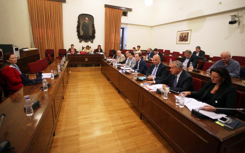 Υψηλοί τόνοι κυριάρχησαν στη χθεσινή συνεδρίαση της Επιτροπής Θεσμών και Διαφάνειας της Βουλής.
