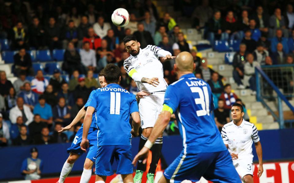 Mε δύο γκολ του Αθανασιάδη, ο ΠΑΟΚ πήρε πολύτιμη νίκη στην Τσεχία.