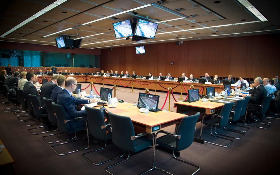 Τα προαπαιτούμενα πρέπει να ολοκληρωθούν σίγουρα μέσα στις επόμενες πέντε μέρες αν θέλει η ελληνική πλευρά να πάρει και το «πράσινο φως» στο Εurogroup στις 10 Οκτωβρίου.