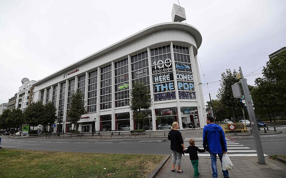 Από την Citroen στο Pompidou. Το γκαράζ της γαλλικής αυτοκινητοβιομηχανίας  στις Βρυξέλλες, ένα κτίριο του 1930 με επιρροές από την αρχιτεκτονική art nouveau θα φυλάσσει από εδώ και πέρα έργα τέχνης. Ή τουλάχιστον το 2020, όταν θα έχει ολοκληρωθεί ο σχεδιασμός του και στα 16.000 τετραγωνικά του μέτρα θα βρίσκονται αποκλειστικά έργα σύγχρονης και μοντέρνας τέχνης. / AFP / EMMANUEL DUNAND