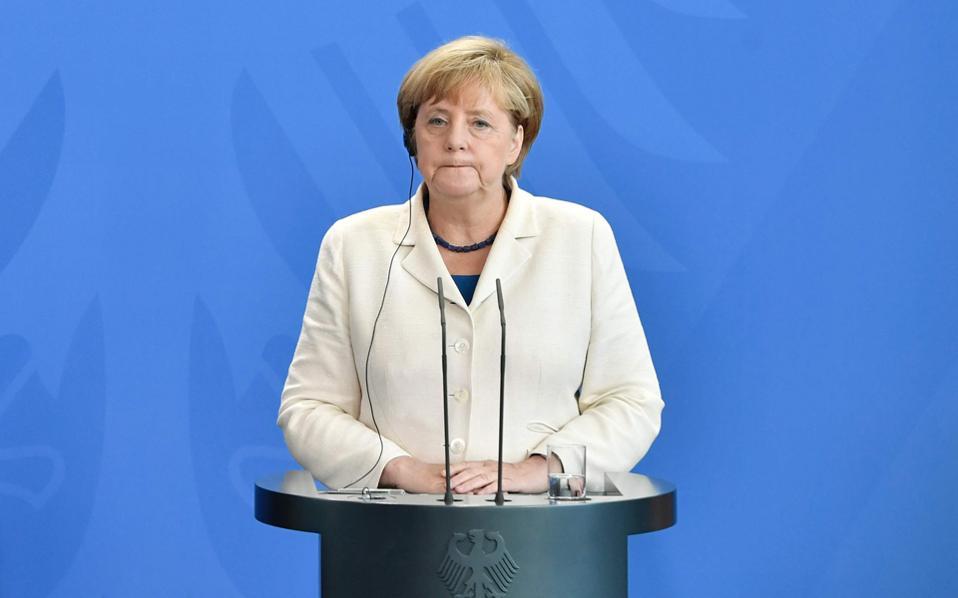 Την ελπίδα ότι η Deutsche Bank θα μπορέσει να επιλύσει τα προβλήματά της εξέφρασε η Γερμανίδα καγκελάριος Άνγκελα Μέρκελ.