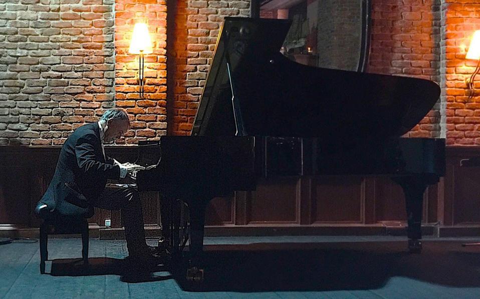 """Ο πιανίστας Ντέιβιντ Τζόνσον στο """"Ατενέουμ"""""""