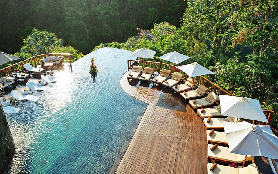 hanging-gardens-of-bali-best-swiming-pool-number-1-luxury-resort