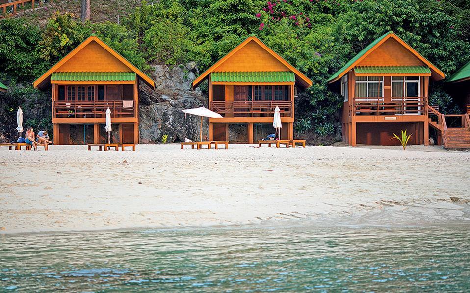 Μερικές από τις «καλύβες» του Mountain Resort, τυπικής αρχιτεκτονικής και απόλυτης λιτότητας. (Φωτογραφία: FRANCOIS FOURRIER)
