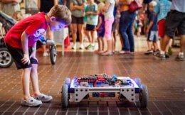 Το Maker Faire γεννήθηκε στο Bay Area της Νέας Υόρκης πριν από δέκα χρόνια και σήμερα διοργανώνεται σε 120 πόλεις σε όλο τον κόσμο.