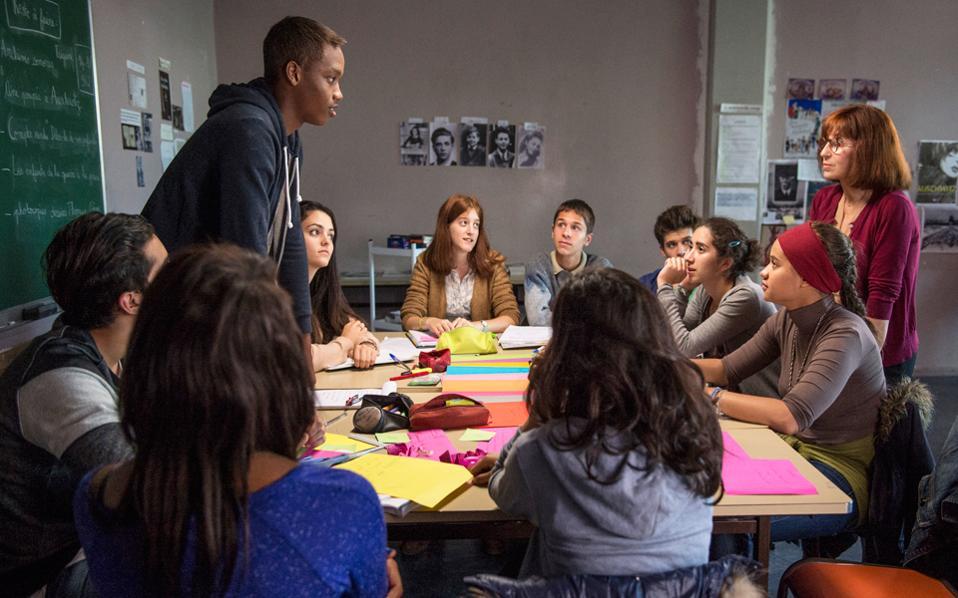 H Αριάν Ασκαρίντ πρωταγωνιστεί σε μια ταινία για τον ρόλο του εκπαιδευτικού στο σύγχρονο σχολείο.