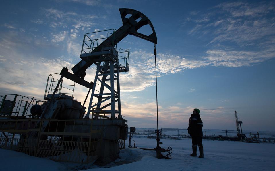 Οπως φαίνεται, οι ελπίδες για συμφωνία όσον αφορά το «πάγωμα» της παραγωγής πετρελαίου μετατίθενται για τη σύνοδο του Νοεμβρίου.
