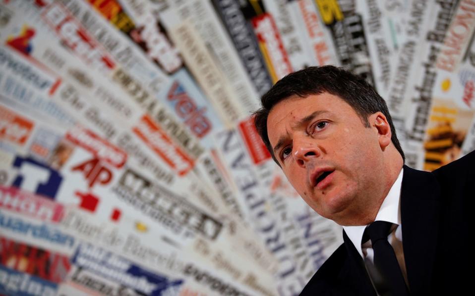 Ο Ιταλός πρωθυπουργός Ματέο Ρέντσι σε συνέντευξη που παρέθεσε στους ανταποκριτές του ξένου Τύπου, στη Ρώμη, τον Φεβρουάριο.