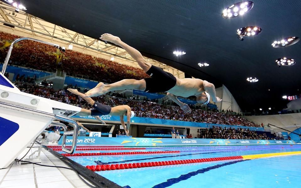 Ερευνητές ανακάλυψαν ότι στις μεγάλες κούρσες οι κολυμβητές των εξωτερικών γραμμών ευνοούνται.