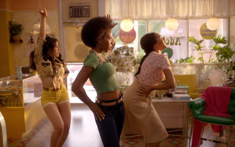 Το Μπρονξ του τέλους της δεκαετίας του 1970, καρδιά της «μαύρης» Νέας Υόρκης, πρωταγωνιστεί στη νέα σειρά «The Get Down».