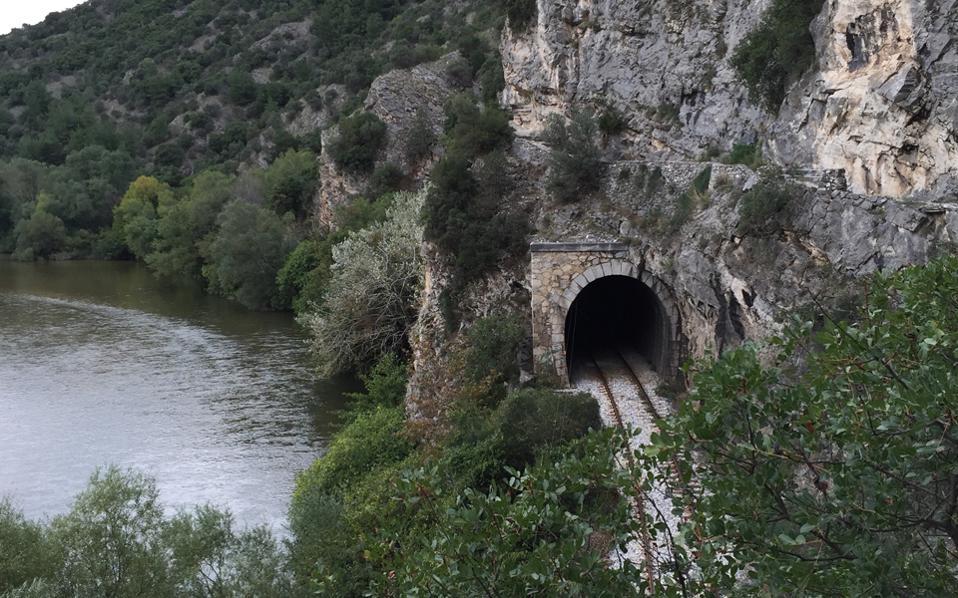 Διαδρομές συνολικού μήκους περίπου 100 χιλιομέτρων στη φύση της Ξάνθης εντάσσονται στο πρόγραμμα «Μονοπάτια Πολιτισμού», προκειμένου να προσελκύσουν τον περιπατητικό τουρισμό.