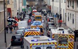 Ο Jean - Baptiste Rouffet, υπεύθυνος για θέματα ευρωπαϊκής πολιτικής στο υπουργείο Υγείας της Γαλλίας, έδωσε διάλεξη στο μεταπτυχιακό πρόγραμμα του ΕΚΠΑ «Διεθνής Ιατρική - Διαχείριση Κρίσεων Υγείας», μιλώντας για την εμπειρία της χώρας, ήδη από το χτύπημα στο «Charlie Hebdo» (φωτ.).