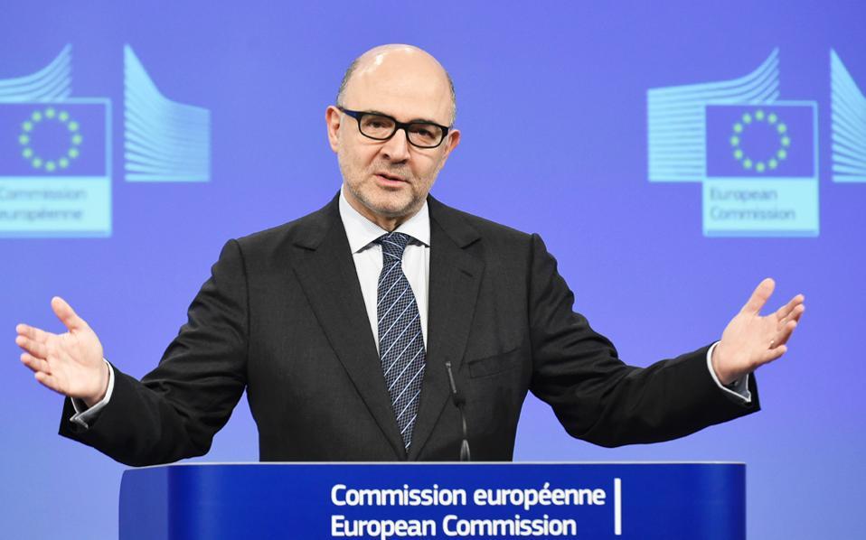 Ο Πιερ Μοσκοβισί απάντησε και στις επικρίσεις ευρωβουλευτών σε σχέση με τον ρόλο της Κομισιόν.