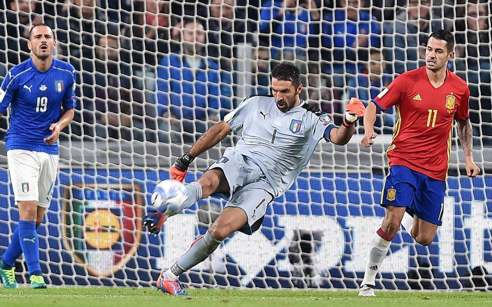 O Mπουφόν κλώτσησε αέρα, δίνοντας την ευκαιρία στον Βιτόλο (11) να πλασάρει σε κενή εστία στο 55΄, όμως η Ιταλία με πέναλτι στο 82΄ κατάφερε να πάρει έναν βαθμό, τον οποίο με βάση την εικόνα του παιχνιδιού δεν εδικαιούτο.