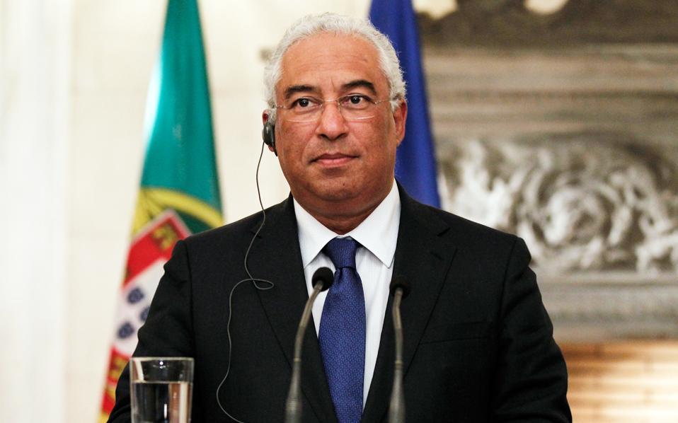 Η κυβέρνηση του κ. Κόστα (φωτ.) εκτιμά πως το χρέος της Πορτογαλίας θα υποχωρήσει στο 128,3% του ΑΕΠ από το 129,7% του 2016.