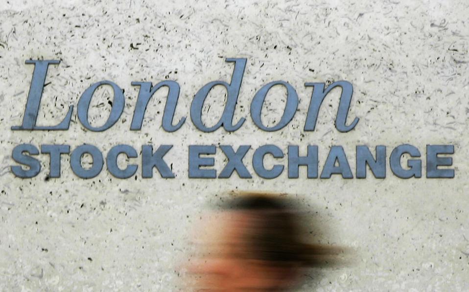 Στο Λονδίνο ο FTSE 100 έκλεισε με άνοδο 0,76% και στη Φρανκφούρτη ο DAX, επίσης, με άνοδο 1,22%. Ανοδικά έκλεισαν Παρίσι και Μαδρίτη, με το πρώτο να καταγράφει κέρδη 1,32% και τη δεύτερη κέρδη 1,43%.