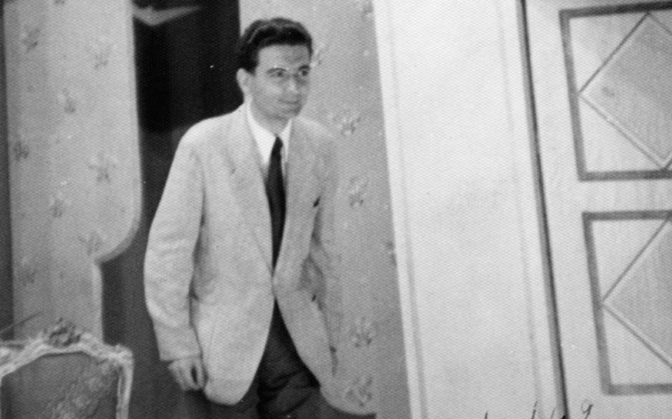 O Δημήτρης Ψαθάς στην πρεμιέρα της «Mαντάμ Σουσούς» 3 Iουλίου 1942.