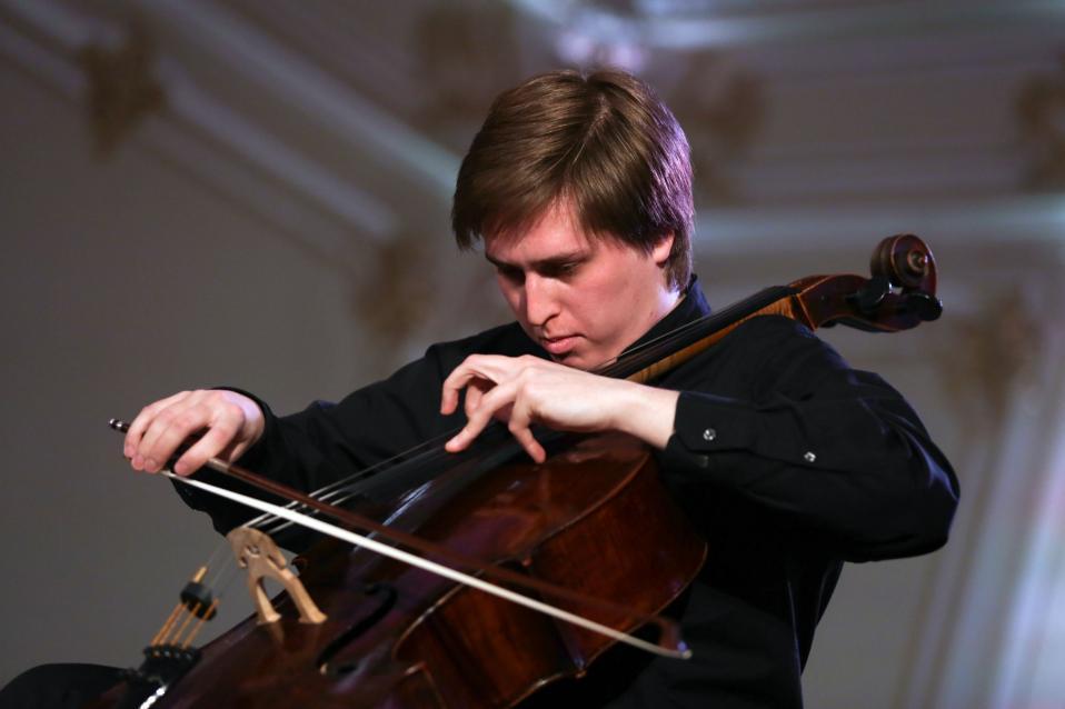 Ο Ρώσος τσελίστας Αλεξέι Στάντλερ.