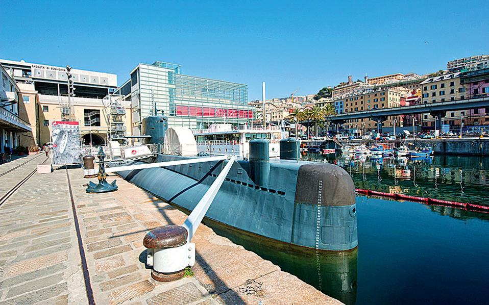 Οι επισκέπτες του μουσείου Galata έχουν τη δυνατότητα να περιηγηθούν και στα ενδότερα ενός υποβρυχίου!