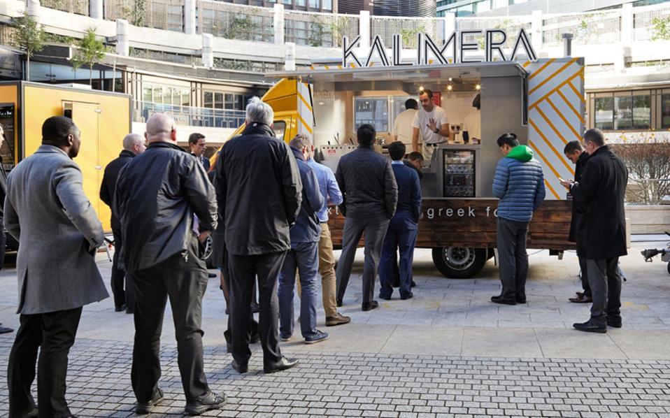 Ο Τηλέμαχος Αργυρίου, ύστερα από πολυετή εργασία ως τραπεζικός στο City, αποφάσισε να καλύψει ένα κενό: ένα νόστιμο street food για το lunch break των εργαζομένων του επιχειρηματικού κέντρου του Λονδίνου.