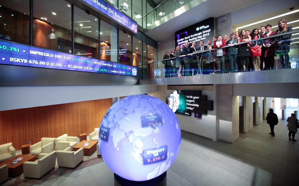 Στον τραπεζικό κλάδο επικράτησε θετικό κλίμα ύστερα από την ανακοίνωση των τριμηνιαίων αποτελεσμάτων από τη γερμανική Deutsche Bank και τη βρετανική Barclays.