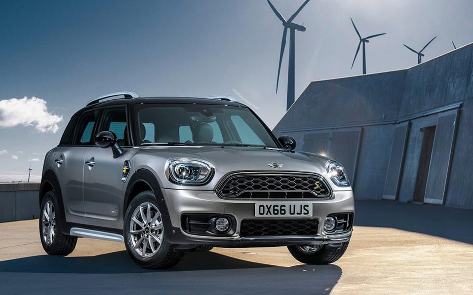 mini-countryman_plug-in_hybrid-2017-1600-01-1